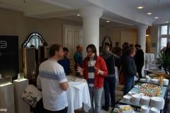 Am Buffet diskutierten die audiophilen Gäste munter weiter.