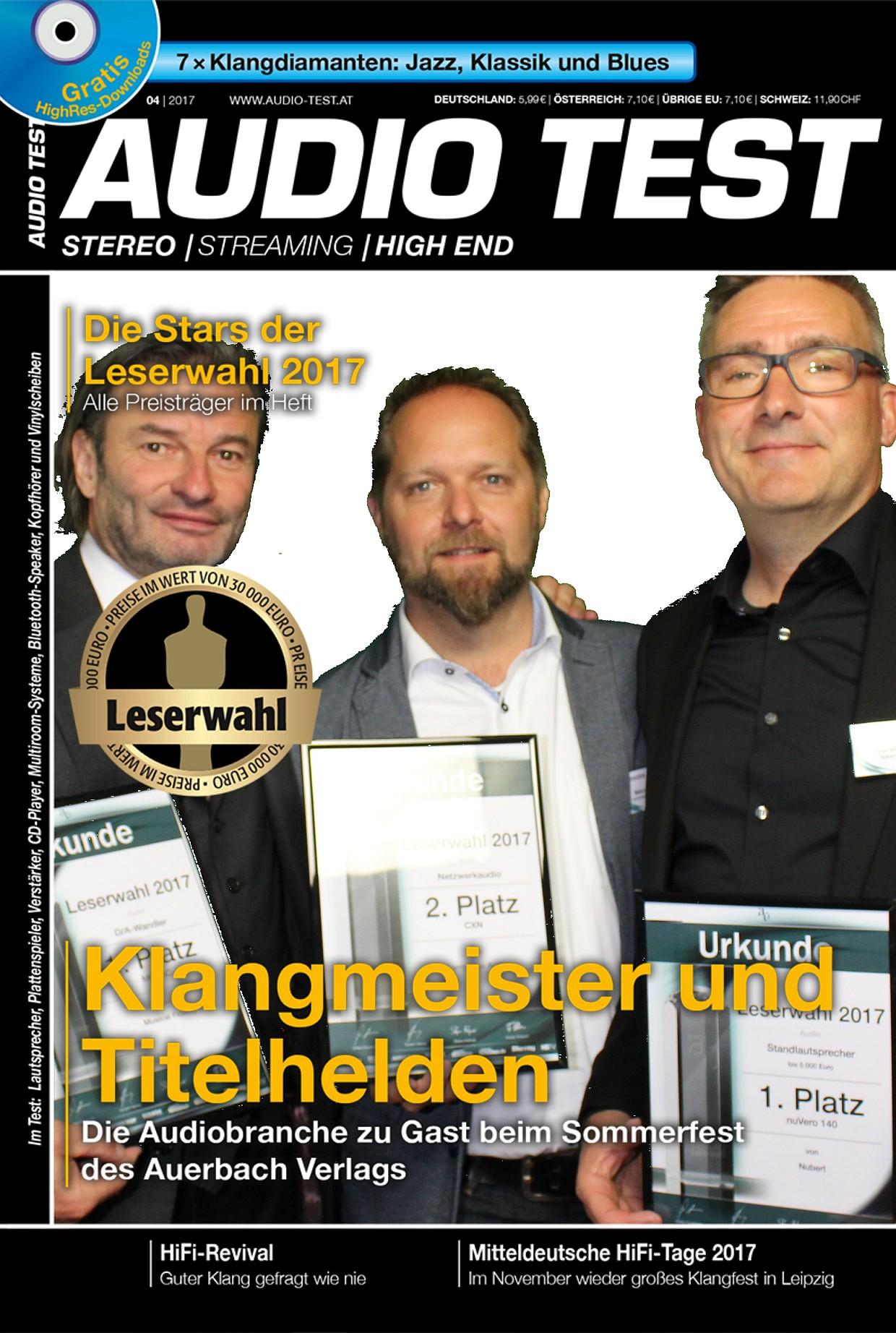 Extrablatt: Jürgen Reichmann (Reichmann Audiosysteme), Marcel Müller (Cambridge Audio) und Martin Bühler (Nubert) als Titelhelden in der AUDIO TEST-Fotobox
