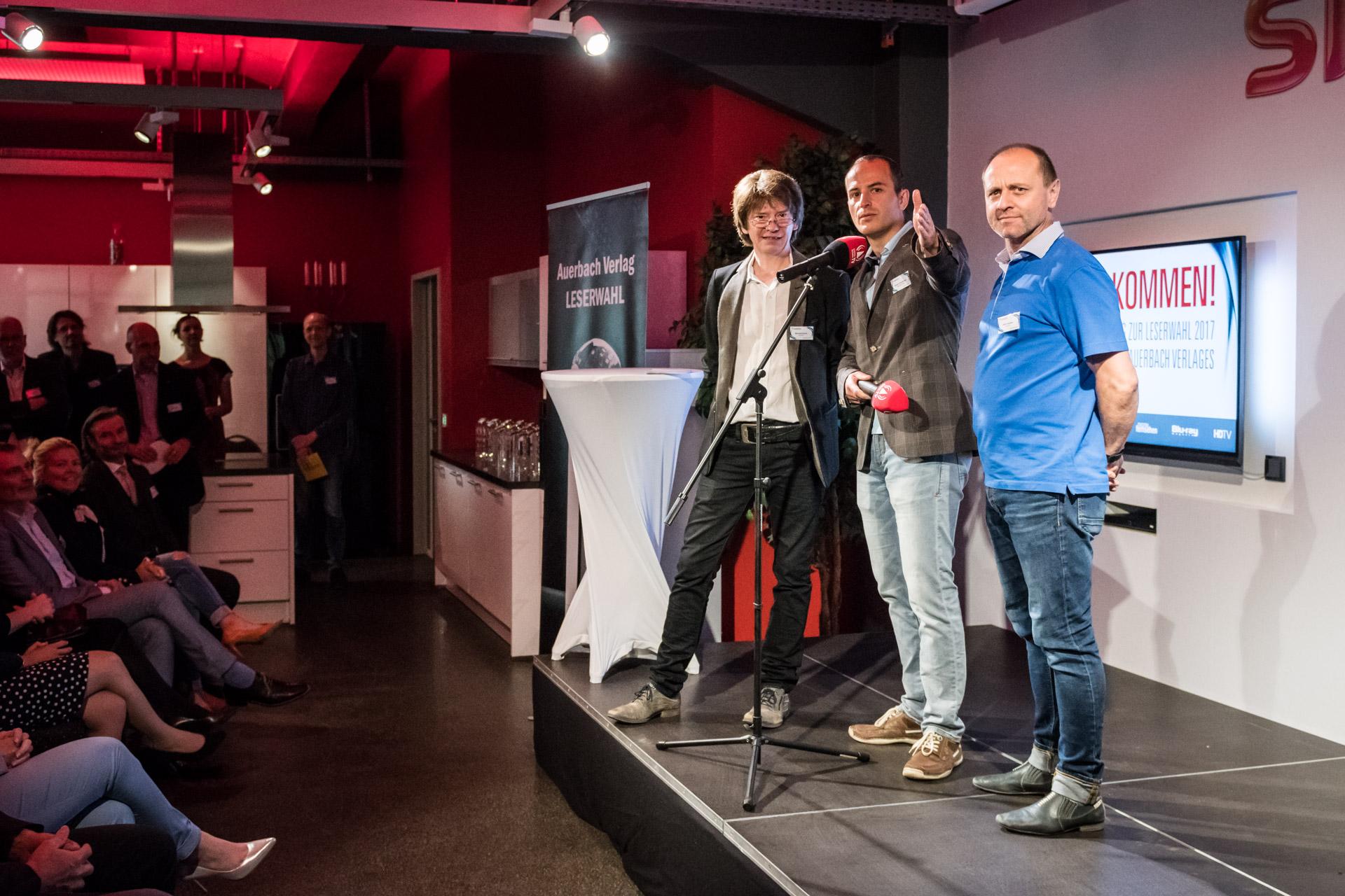 Die Macher (Manfred Keim, Stefan Goedecke, Alex Daßler von Uni-HiFi) der Mitteldeutschen HiFi-Tage dankten den Herstellern für den Erfolg der Messe