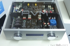 AVM Ovation 8.2 Top