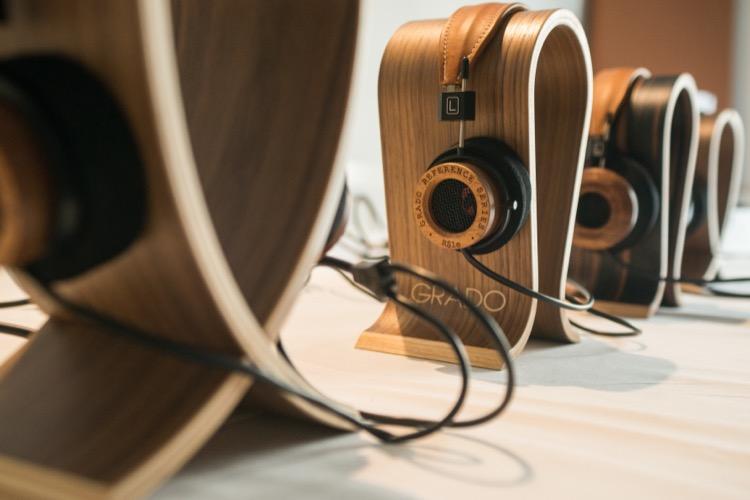 Grado zeigte das größte Modell der Kopfhörer Referenz-Serie, den RS1e