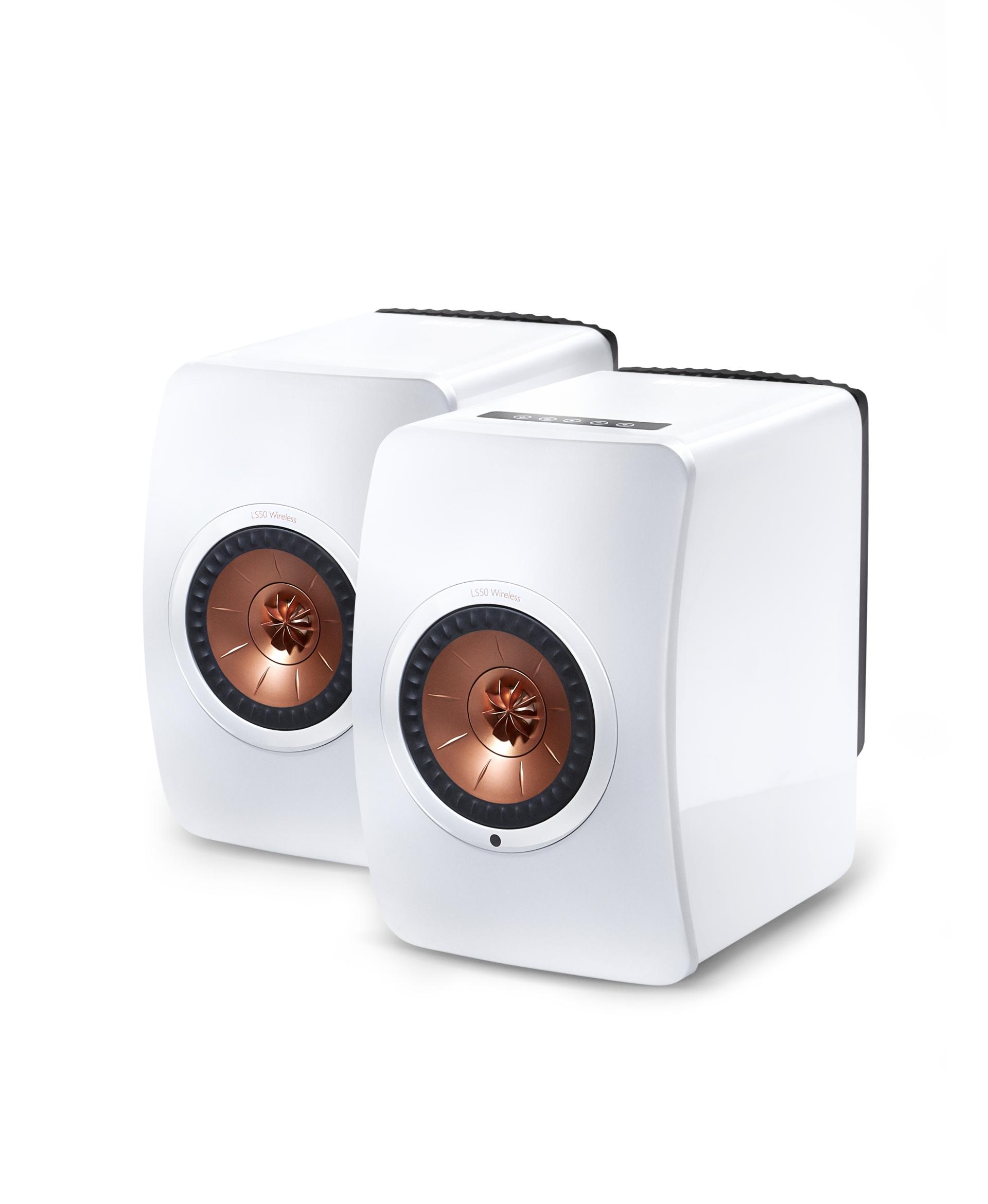 KEF (Raum: Meißen, 4. Etage): Die britische Lautsprecherschmiede KEF zeigt die LS50 in der kabellosen Variante, derzeit wohl einer der schönsten aktiven Speaker, der auch in AUDIO TEST (05/2017) im Test abgeräumt hat.