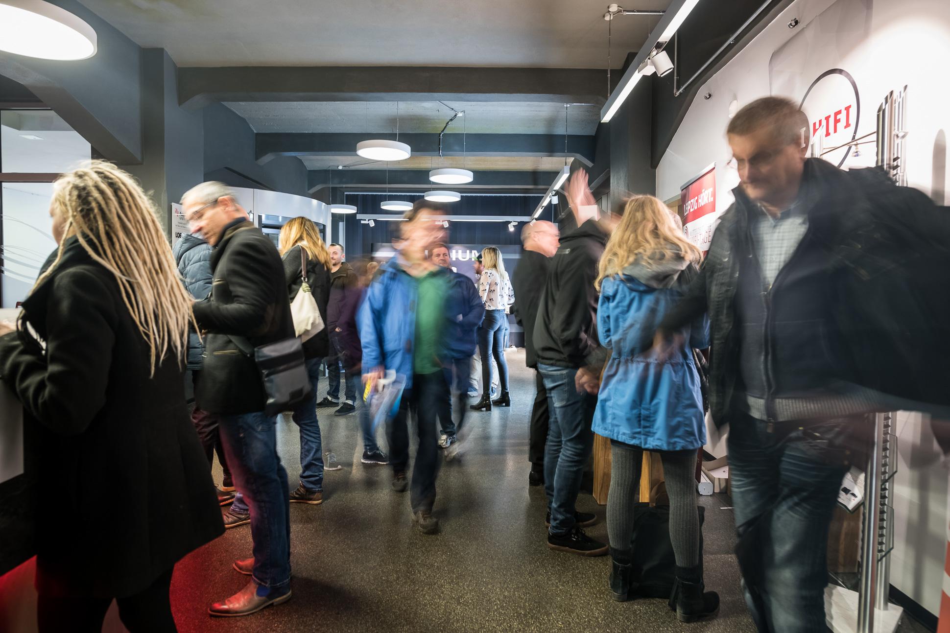 Volle Gänge und reges Treiben auf den Gängen und Fluren der Alten Handelsdruckerei. Knapp 2.600 Gäste kamen dieses Mal!