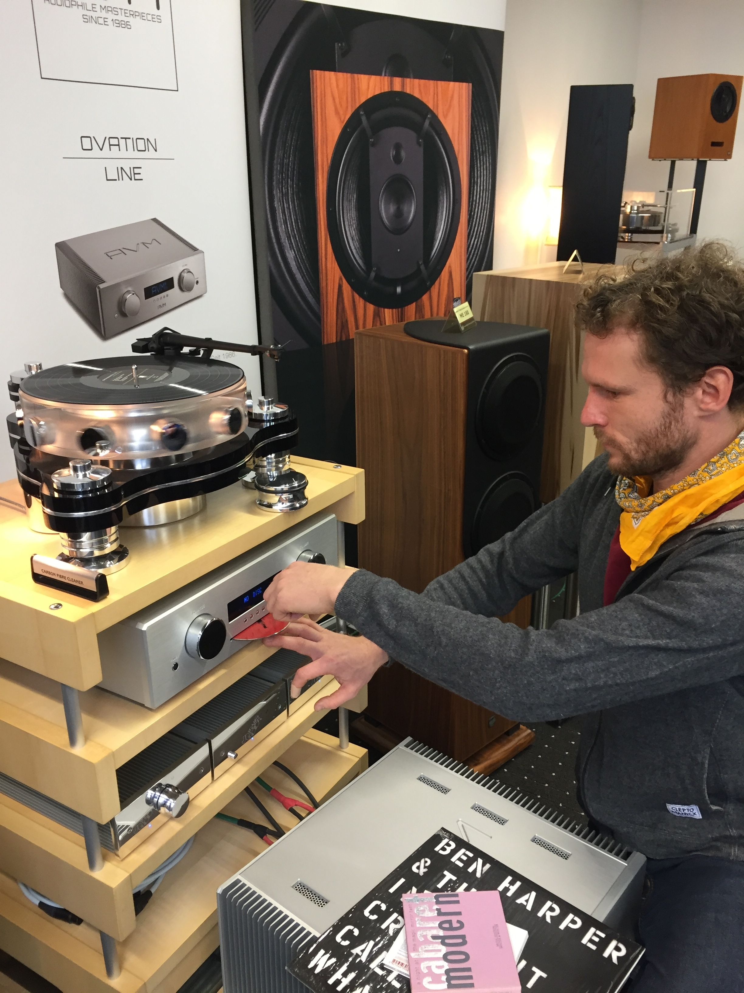 Ronny Wallberg vom Leipziger Fachhändler Timbre betreute den Raum von ME Geithain die gemeinsam mit AVM und Transrotor aufspielten. Die gespielten Orgelklänge wussten zu gefallen.