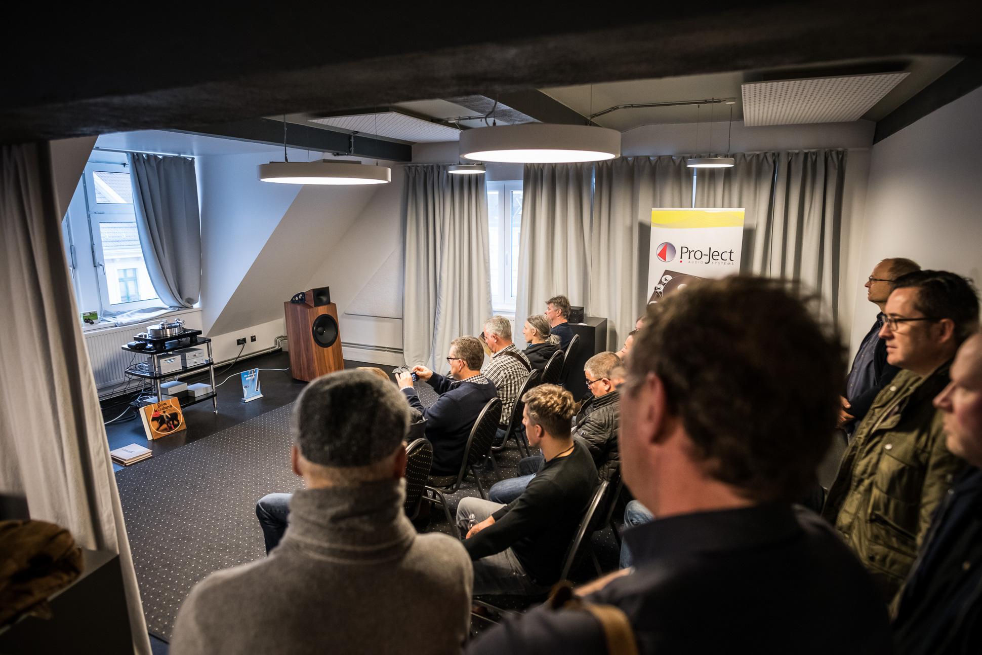 Pro-Ject führte wieder gemeinsam mit Blumenhofer Acoustics vor.