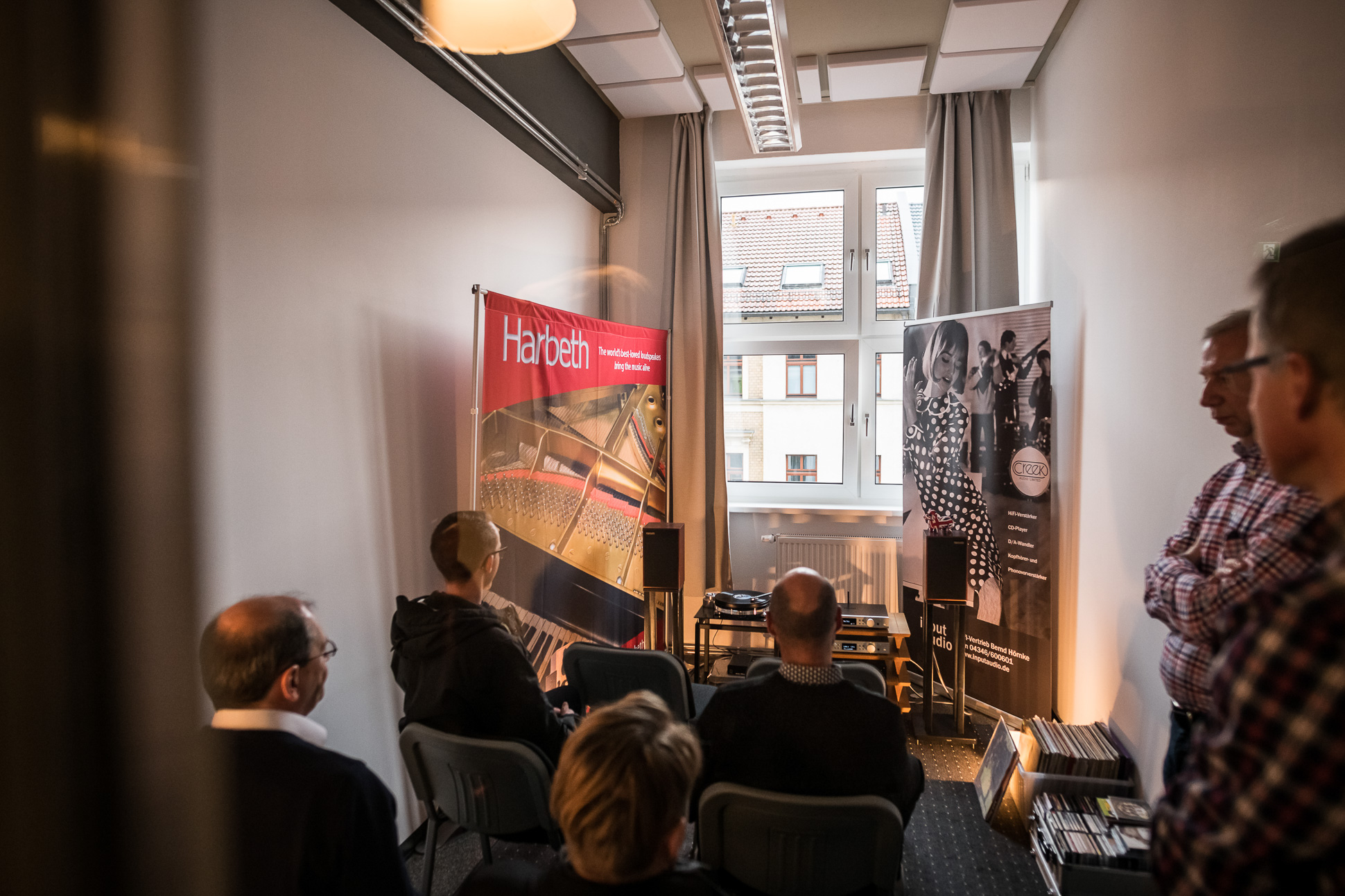 Der Vertrieb Input Audio spielte wieder mit Creek, Harbeth und Starter. Entwicklerlegende Michael Creek kam sogar eigens aus dem UK eingeflogen.