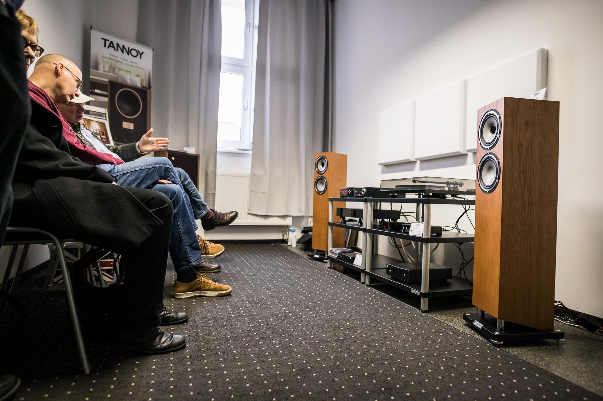 Der Vertrieb TAD-Audiovertrieb zeigte Lautsprecher von Tannoy und Elektronik und Zuspieler von Rega.