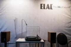 Elac führte den neuen Plattenspieler Miracord 70 vor. Eine echte Premiere!