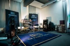 Beeindruckendes Set-Up bei B.M.C. Audio: Die mächtigen Arcadia Lautsprecher wurden bespielt vom CS3 Stereo-Vollverstärker, dem PureMedia als digitale Quelle oder dem MCCI Signature Phono-Vorverstärker bei analoger Quelle.
