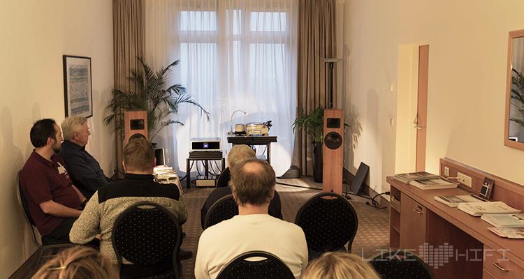 Blumenhofer Acoustics präsentierte sich wieder schlicht, aber mit extrem gutem Klang.