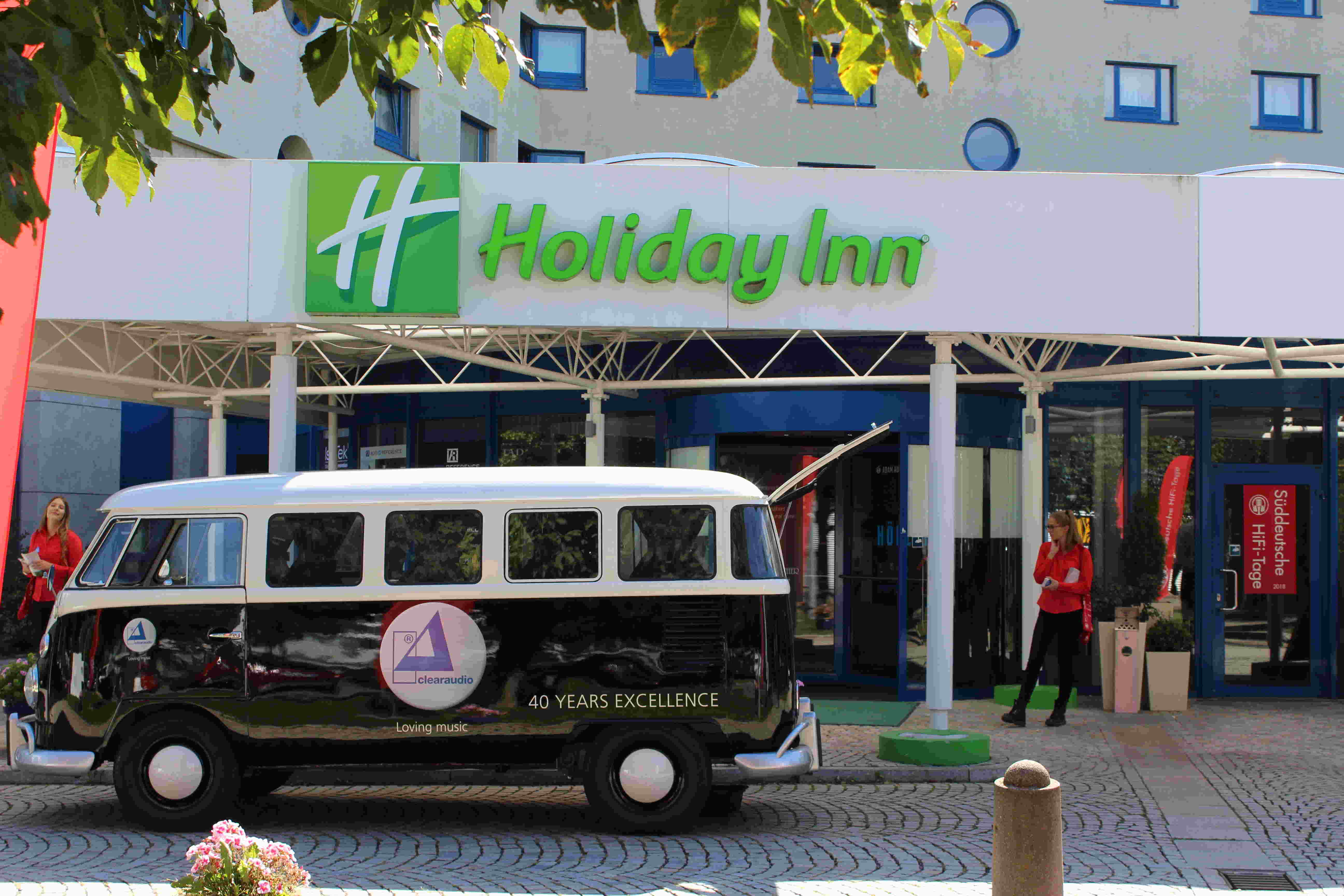 Premiere im Holiday Inn in Stuttgart