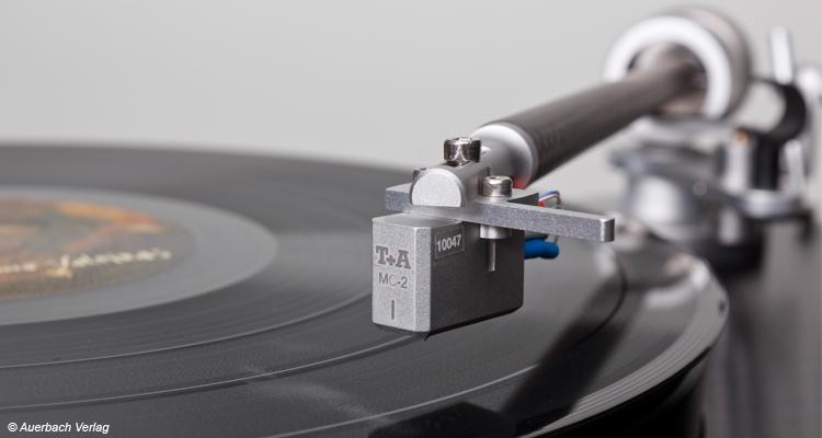 Test T+A G 2000 R Plattenspieler - Neue R-Serie Review