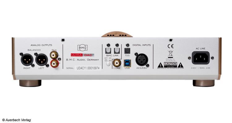 Der B.M.C-Link ist ein absolutes Muss für alle Ultra-DAC-Besitzer in Kombination mit einem B.M.C-Amp. Er stimmt beide Geräte aufeinander ab verbessert das Hörerlebnis deutlich. Vor allem bei leisen Volumen