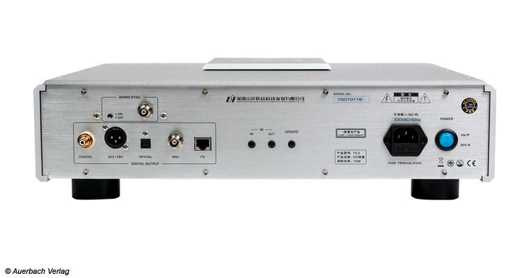 Ausgänge besitzt der CD-Player T3.2, um jedmöglichen Verstärker anzuschließen, nicht jedoch die Möglichkeit Lautsprecher anzuklemmen
