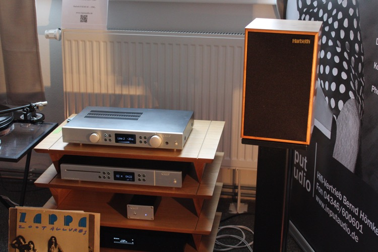 Bei InputAudio konnte das wunderbare Zusammenspiel von dem Starter-Plattenspieler, Creek-Verstärker und dem Harbeth-Lautsprecher erleben