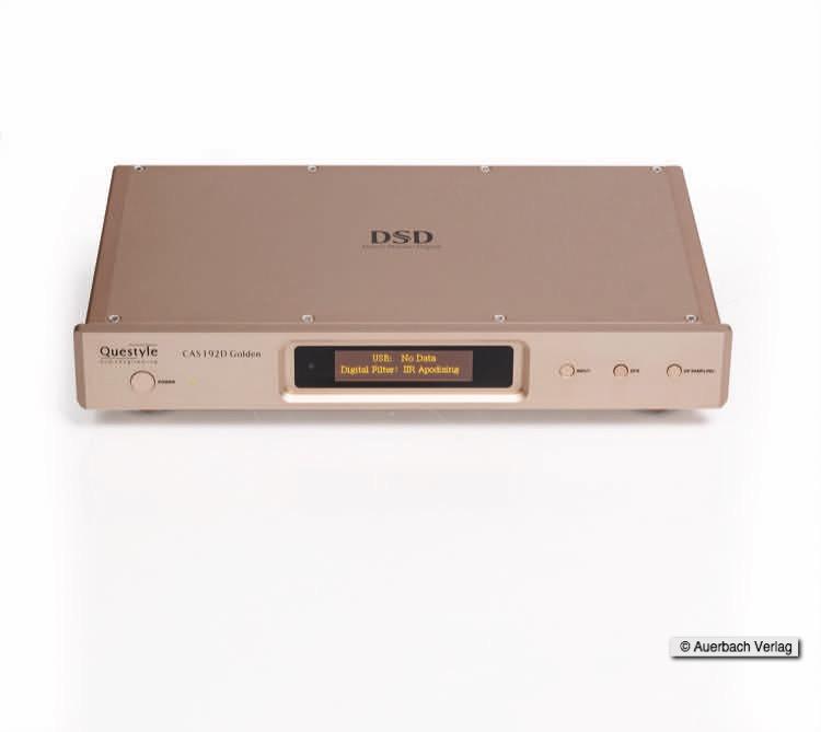 Das Display beim DAC: CAS192D Golden versorgt den Hörer mit allen Informationen. Zum Beispiel mit welcher Datenrate die Musik gestreamt und welcher Filter verwendet wird