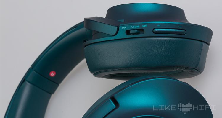 Dank dem integrierten Mikro dient er außerdem ein Headset fürs Smartphone