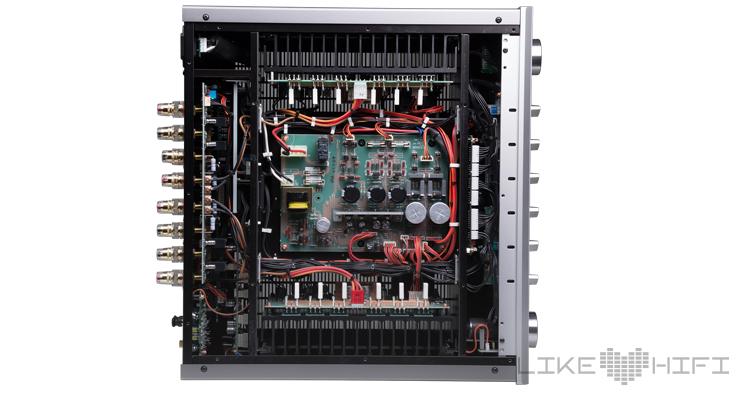 Test: Luxman D-05u SACD-Player & L-507uX Stereovollverstärker Review Amp Innen
