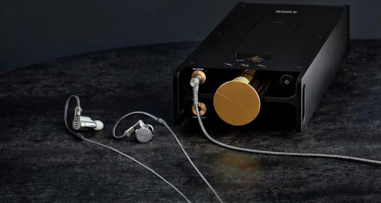 In-Ear-Kopfhörer Sony IER-Z1R und der digitale Musikplayer Sony DMP-Z1