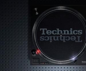 Technics Direct Drive Turntable SL-1200MK7 DJ Plattenspieler CES 2019