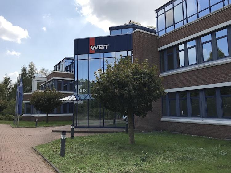 WBT Außenansicht Firma Gebäude Essen Ruhrgebiet Kettwig HiFi Stecker Plasma