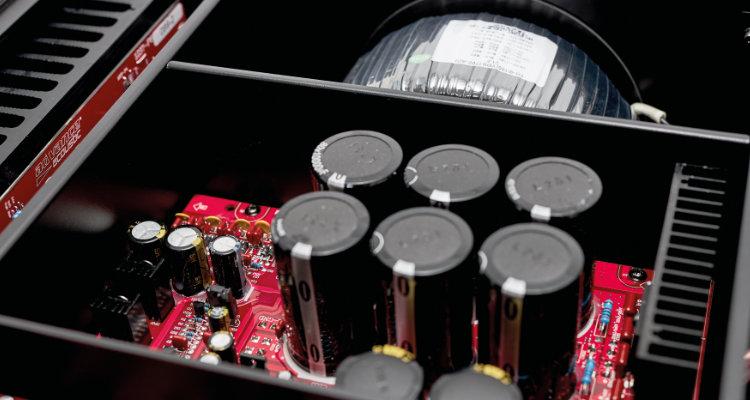 Innenansicht des Advance Paris X-i1100 Vollverstärker Amp Stereovollverstärker