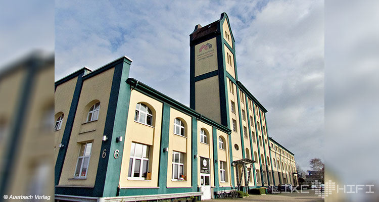Lyravox Lautsprecher Vor Ort Besuch Hamburg Wilhelmsburg Showroom Hörraum Aktivlautsprecher
