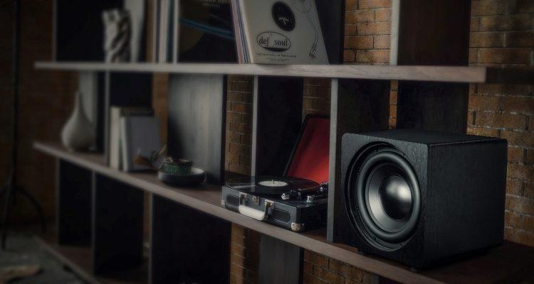Velodyne Acoustics Deep Blue Subwoofer DB 10 DB 12 Lautsprecher News Test Review