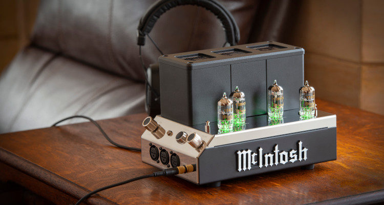 McIntosh MHA200 Kopfhörer Verstärker Headphone Amplifier News Test Review