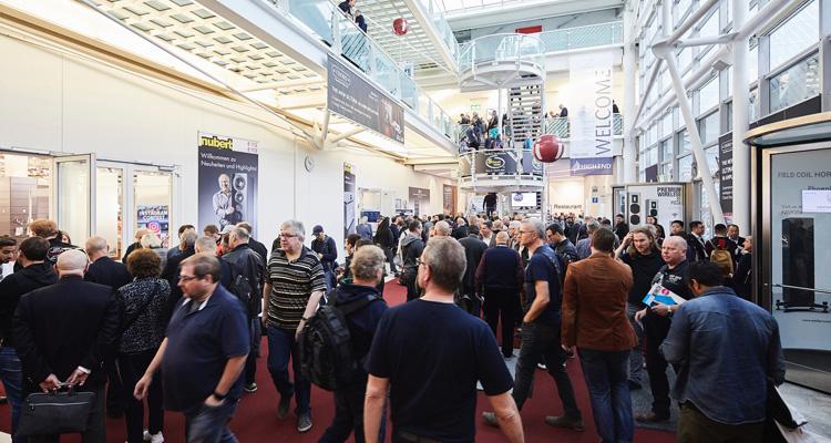 HIGH END Messe 2021 Absage München Gänge Hallen MOC