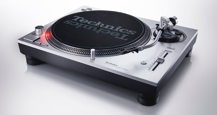 Plattenspieler Technics SL-1200MK7 Turntable Silber Silver Test News