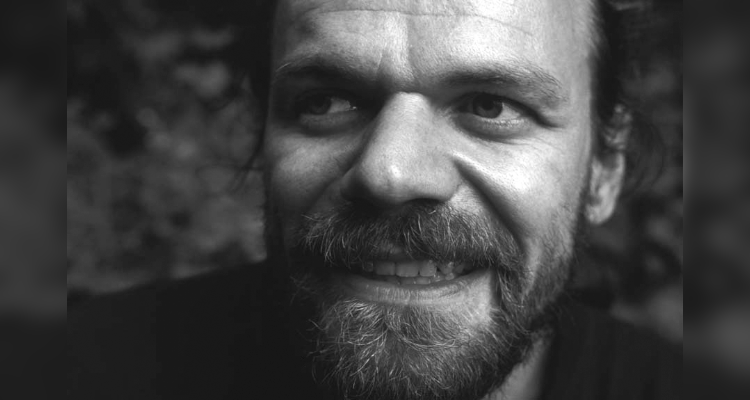 Chefentwickler Laurence Dickie Vivid Audio Nautilus Speaker