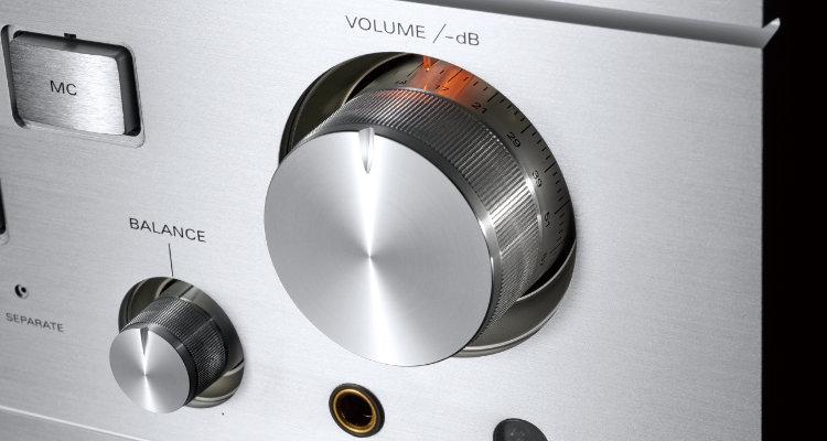 Luxman L-595A - Volume