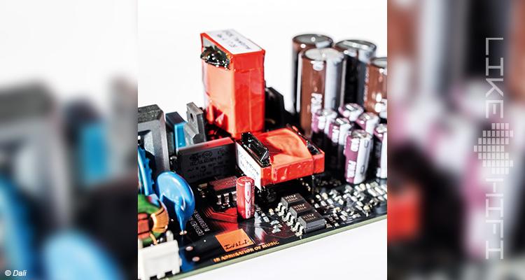 Dali Rubicon 6 C Aktive Standlautsprecher Review Test Speaker Streaming Aktivlautsprecher Innen Chip Verstärker