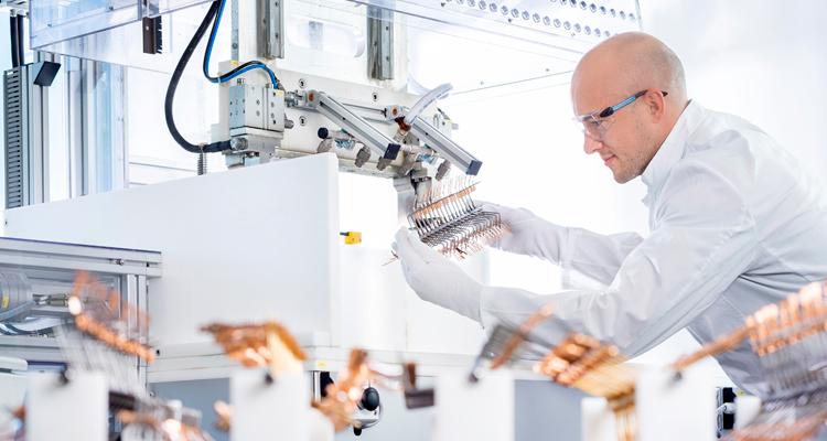 WBT gewinnt Deutschen Innovationspreis 2021 mit PlasmaProtect-Technologie Labor