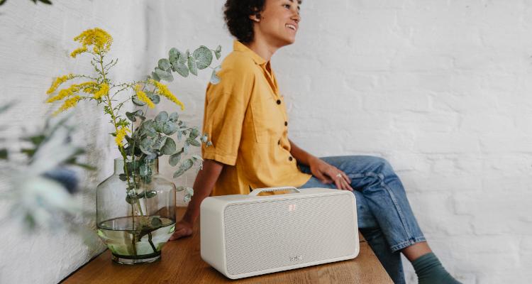 Teufel Boomster Bluetooth Lautsprecher Box 2021 Sand White Weiß
